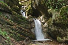 在小河的瀑布 免版税图库摄影