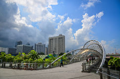 在小游艇船坞海湾,新加坡的现代大厦 免版税图库摄影