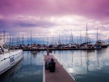 在小游艇船坞游艇俱乐部芭达亚的帆船 库存图片