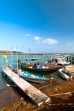 在小游艇船坞的渔船 库存图片