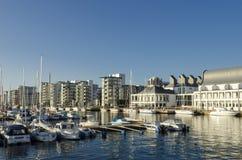 在小游艇船坞赫尔辛堡的Residentual大厦 免版税图库摄影