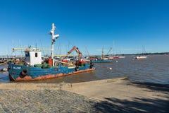 在小游艇船坞-科洛尼亚德尔萨克拉门托,乌拉圭的码头 库存图片