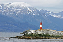 在小猎犬海峡的灯塔在火地群岛 库存图片