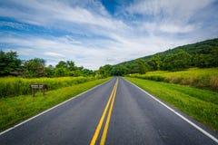 在小猎犬空白的地平线驱动,在Shenandoah国家公园,维尔京 库存照片