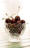 在小碗的新鲜的樱桃 免版税库存图片