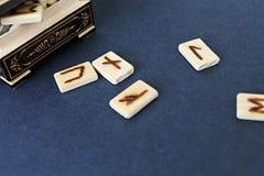 在小箱的木诗歌 免版税图库摄影