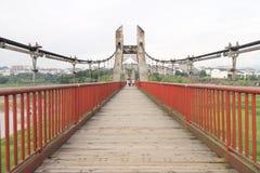 在小船桥日好的9月暂挂水之下 库存照片