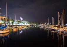 在小船围场的夜长的曝光 免版税库存照片