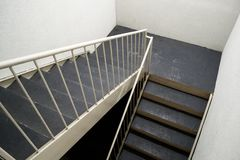 在小行政区的旅馆楼梯间,得克萨斯 免版税库存照片