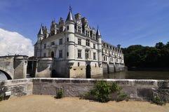 在尚翁索附近村庄的CHENONCEAU卢瓦尔河流域城堡  免版税库存照片