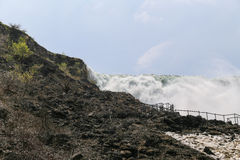 在尼亚加拉瀑布的远景点 免版税库存图片