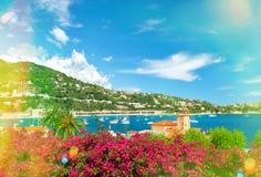 在尼斯和摩纳哥附近的法国海滨 地中海横向 库存照片