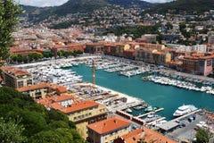 在尼斯港口的看法在南法国 库存图片