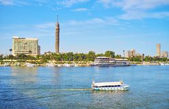 在尼罗河,开罗,埃及的游船 免版税库存照片