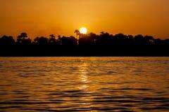 在尼罗的日落在埃及 免版税库存图片