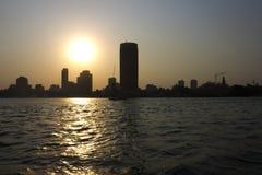 在尼罗-开罗市的日落 库存图片