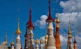 在局促佛教stupas 库存照片