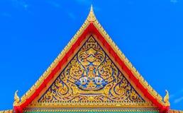 在屋顶上面的精美泰国艺术 库存照片