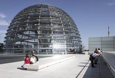 在屋顶上面的Reichstag圆顶 图库摄影