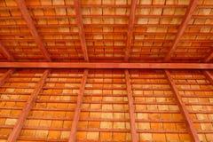 在屋顶下 免版税图库摄影