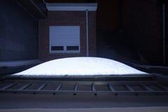 在屋顶的一个圆顶有雪的 免版税库存图片