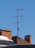在屋顶的天线 免版税库存图片