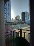 在屋顶的早晨 免版税库存图片