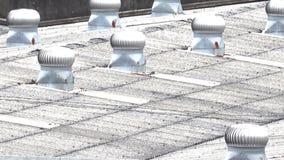 在屋顶的空气通风设备 影视素材
