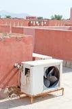 在屋顶的空调器 库存图片