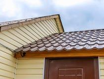 在屋顶的管子 免版税库存照片