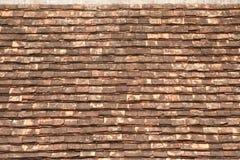 在屋顶的老木纹理。 免版税图库摄影