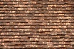 在屋顶的老木纹理。 免版税库存图片