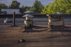 在屋顶的老透气 免版税库存图片