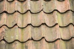 在屋顶的陶瓷砖 库存照片