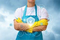 在屏幕优质的服务的清洁女仆展示 库存照片