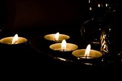 在屠妖节,灯节期间的小Diyas油灯 免版税库存图片