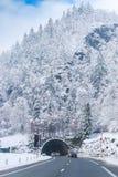 在山上的惊人的冰冷的山 免版税图库摄影