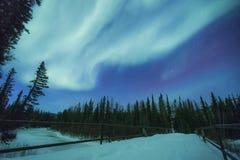 在山上的极光 免版税图库摄影