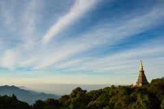 在山上面的塔  免版税库存照片