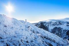 在山上面的雪 库存图片
