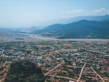 在山中的镇 免版税图库摄影