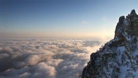 在山云彩时间间隔的日落 影视素材
