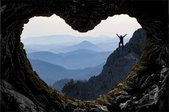 在山冒险的目标成就 库存照片
