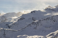 在山峰的风,瓦莱达奥斯塔,意大利 库存照片