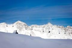 在阿尔卑斯的驾空滑车 库存照片