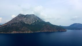 在山森林上的空中被射击的飞行在土耳其的黑海地区 Nebiyan山 股票录像