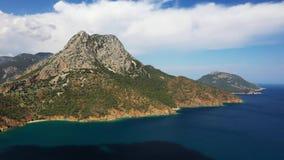在山森林上的空中被射击的飞行在土耳其的黑海地区 Nebiyan山 影视素材