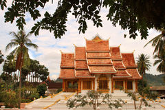 在山楂西康省(王宫)复合体的佛教寺庙在琅勃拉邦(老挝) 免版税库存照片