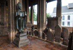 在山楂Pha Kaeo,万象,老挝的Buddhas 库存图片