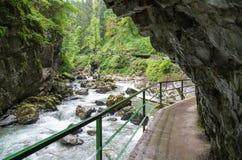 在山沟Breitachklamm & x28的岩石; 奥伯斯特多夫, Germany& x29; 库存照片